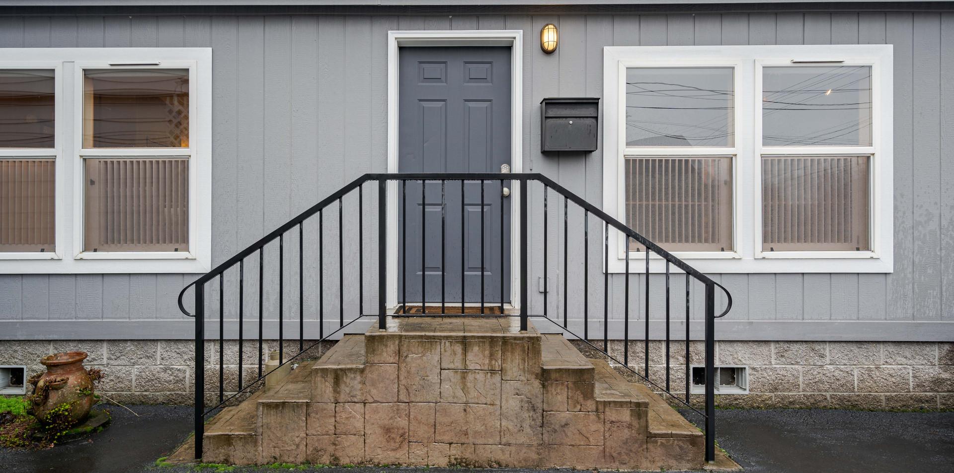 5549 Southeast Kelly Avenue 0001 2020012