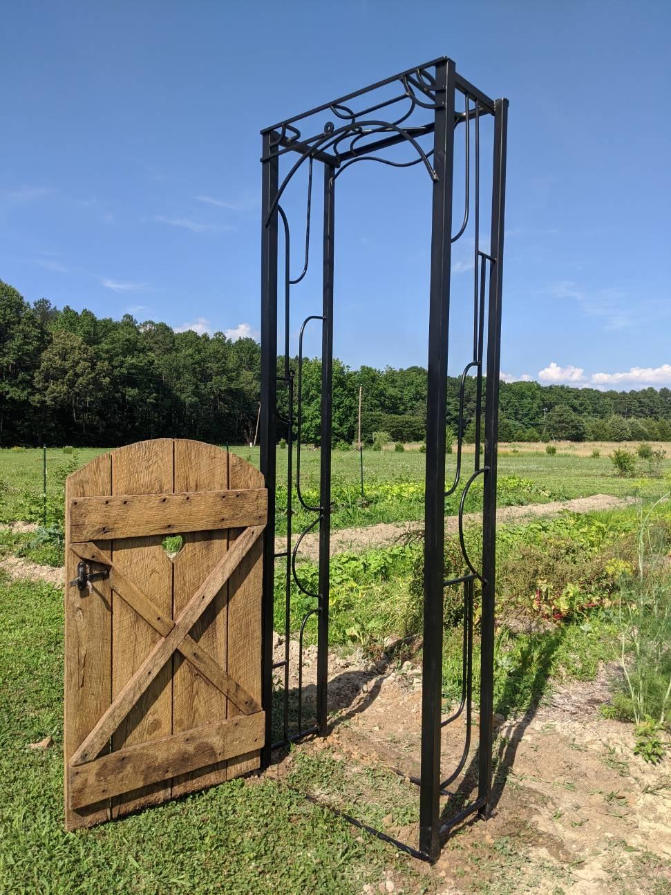 Custom Arbor w/ Vintage Gate