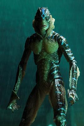 NECA-Shape-of-Water-Amphibian-Man-007.jp