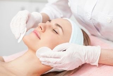 Tratamiento higiene facial MCM +diatermia lifting