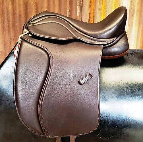 Heather Moffett FlexEE Finale Dressage Saddle