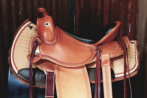 Mattes Western Round Saddle Pad with Correction System