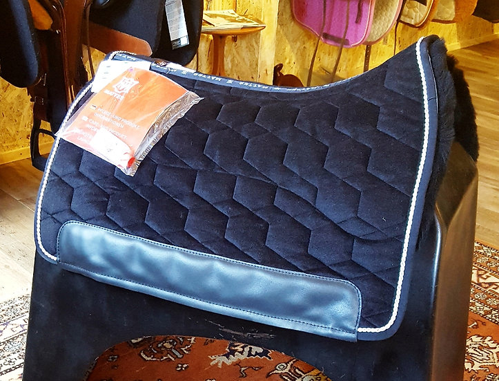 Mattes Buckeburger Saddle Pad with Sheepskin & Correction System
