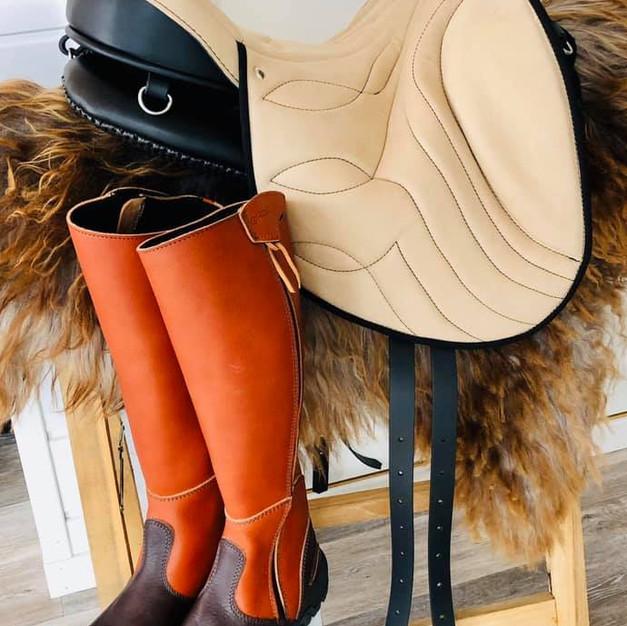 Ghost Stelvio Boots and Buttera Saddle = YUM!!