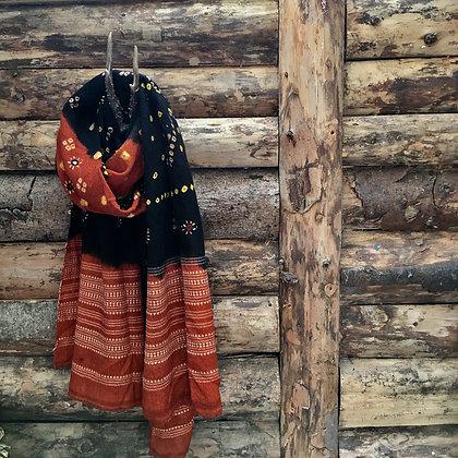 Artisan Bandhari wool scarf/throw black/orange
