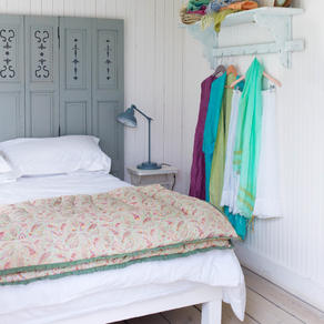 Bespoke beadhead and bedbase in this simple bedroom