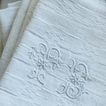 """Vintage """"TB"""" Embroidered napkins"""