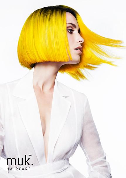 MUK-Vivid-Models-FACEBOOK-DAISY-YELLOW.j