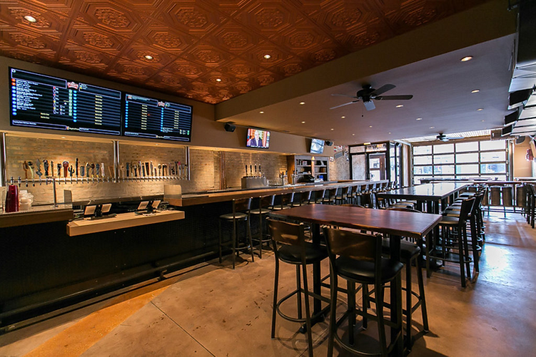 Links Taproom dining room located in Chicago's Wicker Park neighborhood