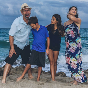 Florida Life Photography   On-site family photography sessions