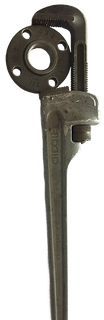 PIPE WRENCH.png
