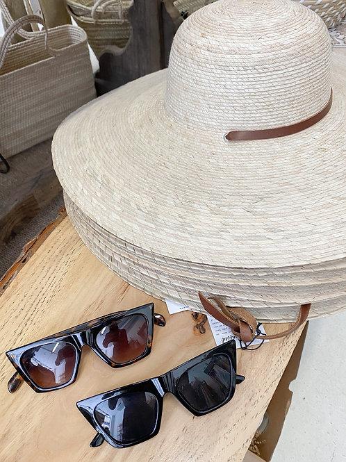 Cramilo Eyewear | Tortoise Retro Cat Eye Sunglasses