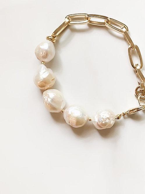 AGUA SANTA |   Baroque Pearl + Chain Link Bracelet
