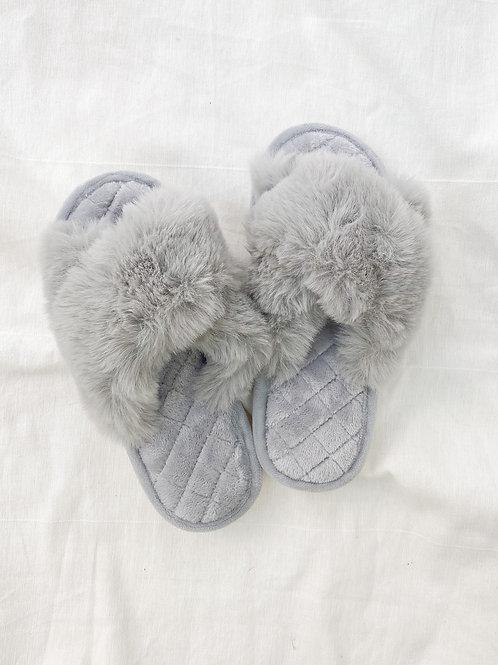 OAK Furry Slides   Grey