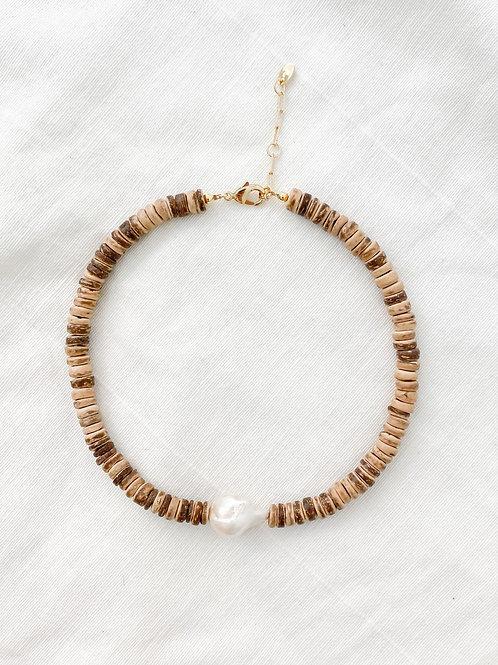 AGUA SANTA   Tribal Pearl Necklace