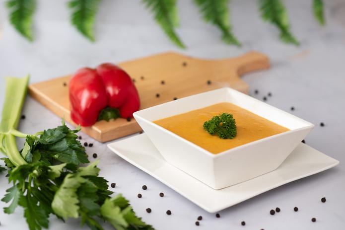 Fresca, natural así es nuestra Crema Marinera, elaborada con pulpa de pescado y vegetales, ideal para los niños