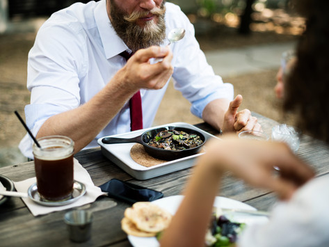 Why restaurants should make you eat your food at home.