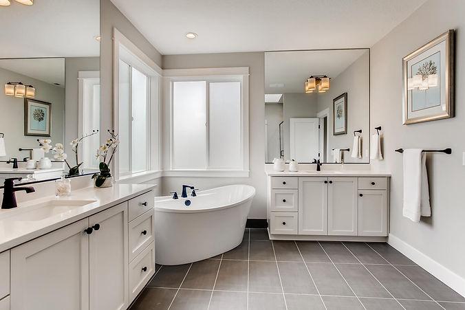 8011 SW GREENHOUSE LANE-large-022-023-2nd Floor Primary Bathroom-1500x1000-72dpi.jpg