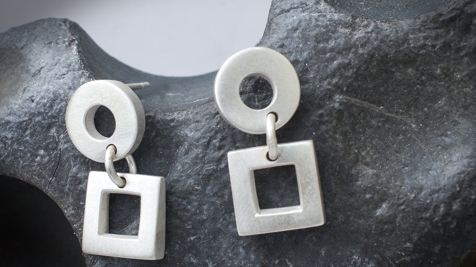 Silver circles and squares earrings