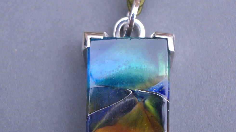 Glass pendant set in silver