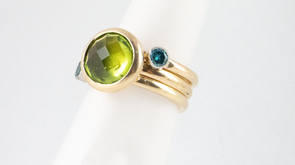 Peridot single stone ring