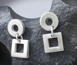 SK 66 Silver circles and squares earrings_edited.jpg