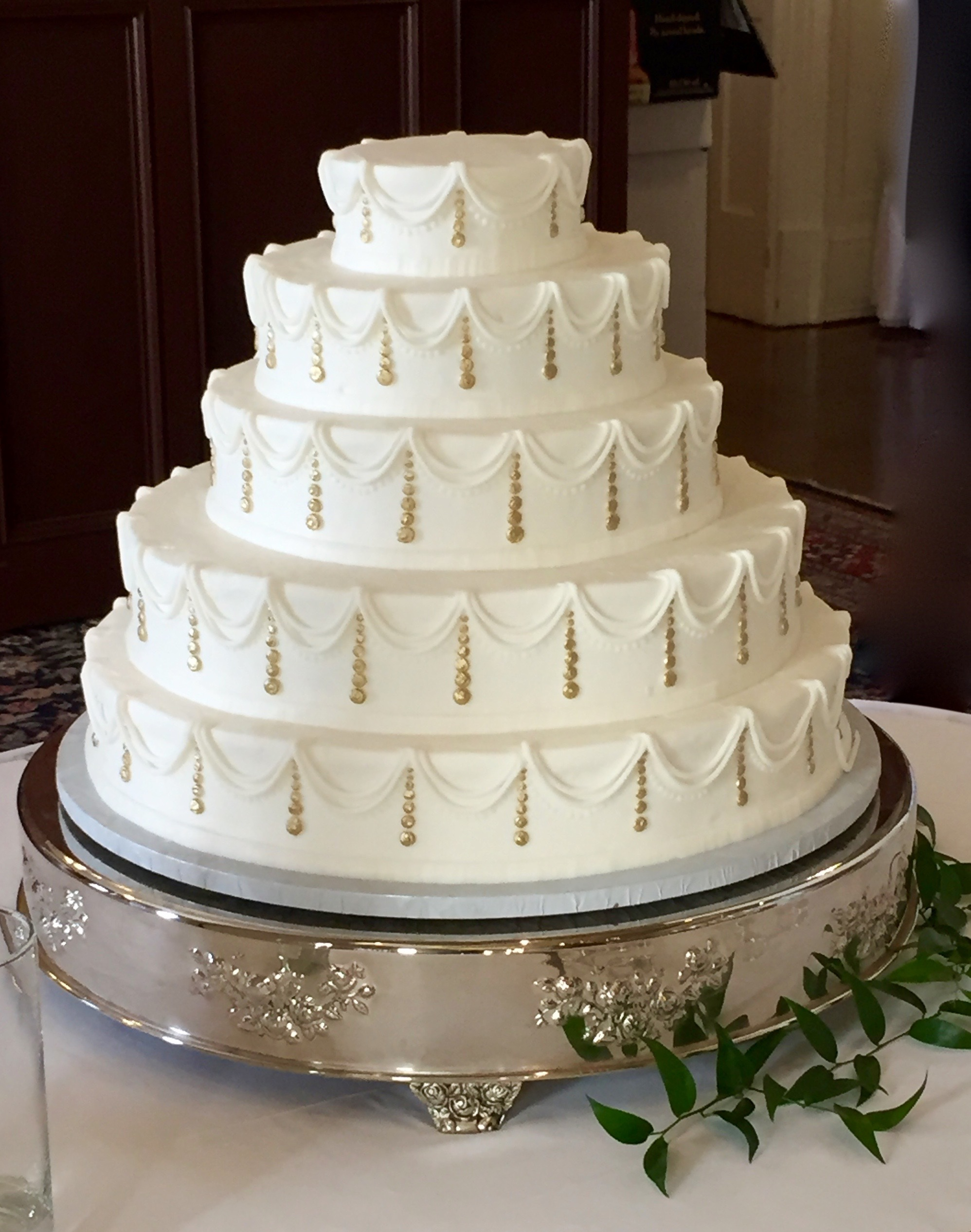 5 Tier With gold dots