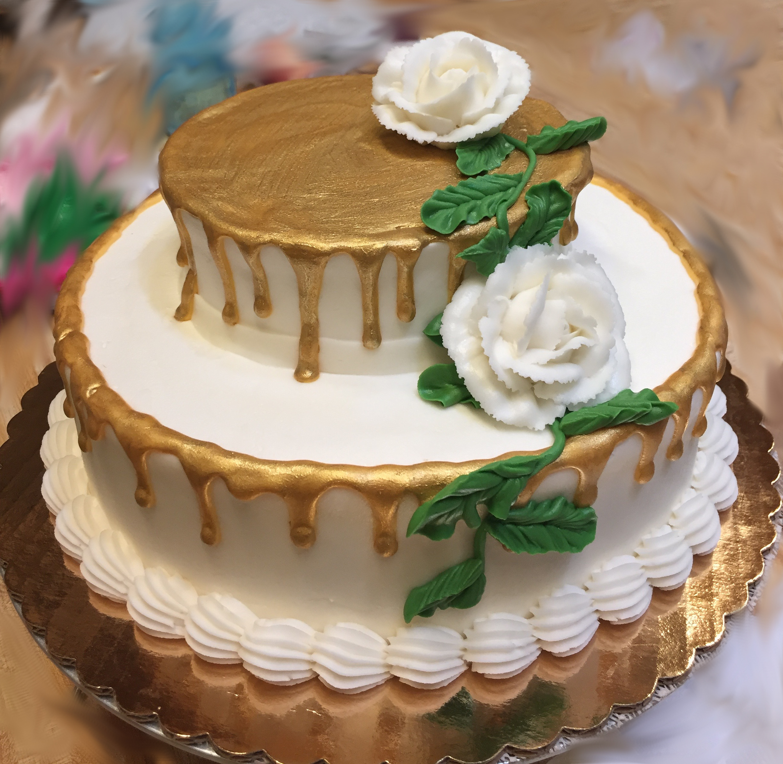 Gold Drip Cake 22