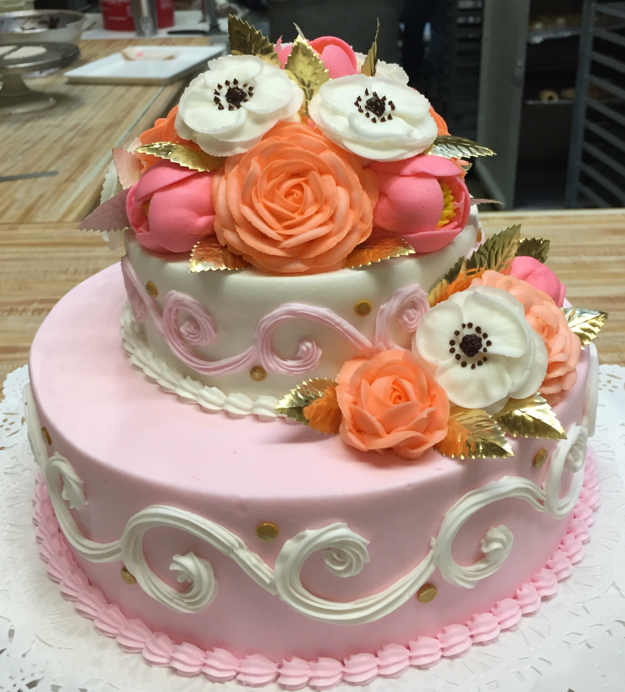 Tier cake w/ Flowers Gold Leaves 13