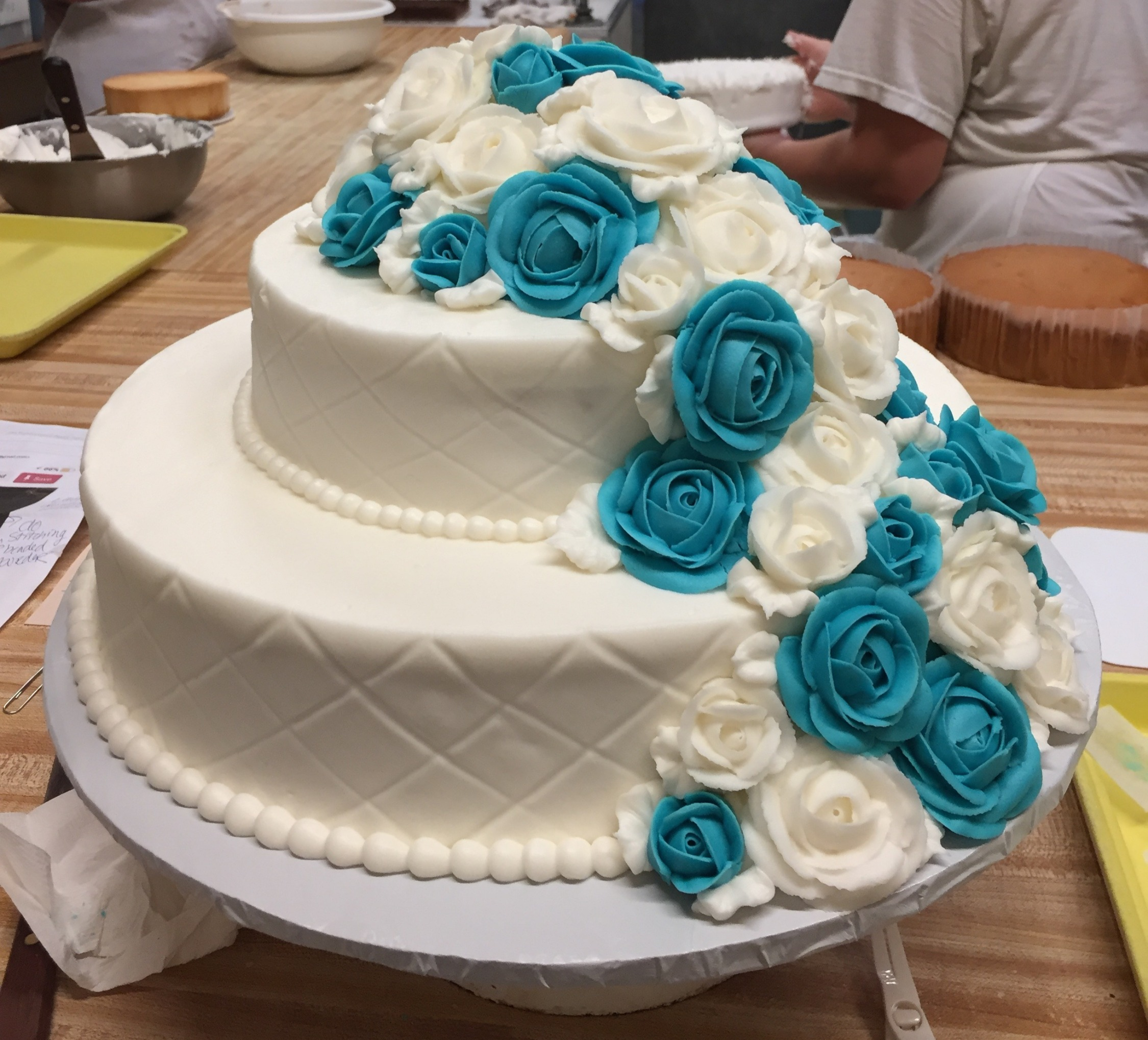 2 tier w/cascading white & blue 5