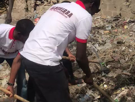AL-MUHIBBAH FOUNDATION WORK TO CLEAN TRASH IN SOME CERTAIN AREAS IN BAUCHI STATE