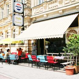 Café-Aussenansicht 2009.jpg