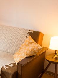 Gastzimmer-Regina Schlaf-und Wohnbereich_Couch.jpg