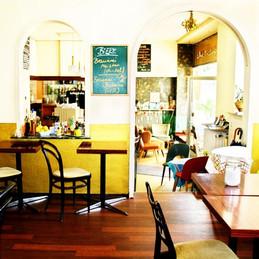 Café-Gastraum.jpg