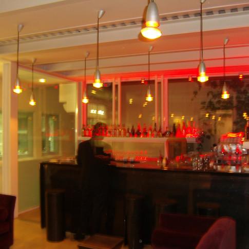 THAONDEREVEL_MILANO_2007