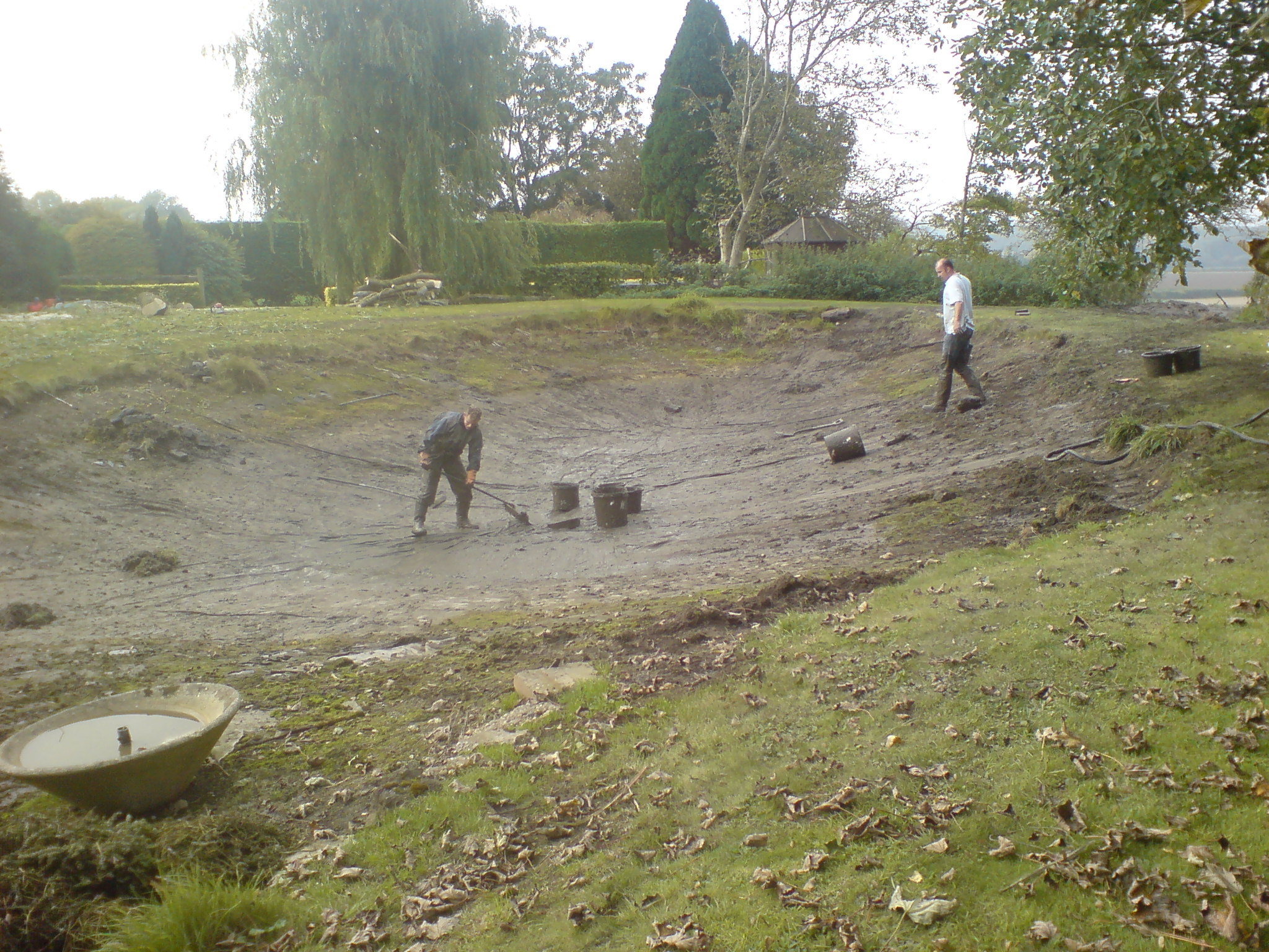 pond cleaning maintenance west susse