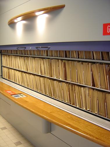 2005-03-19 15-04-31 PSA - Rennes_006.JPG