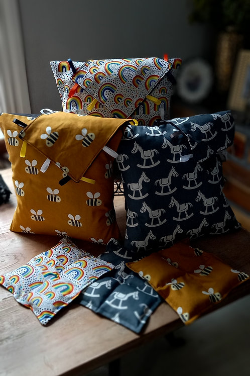 Cushion/Cover - Buzzy Bee