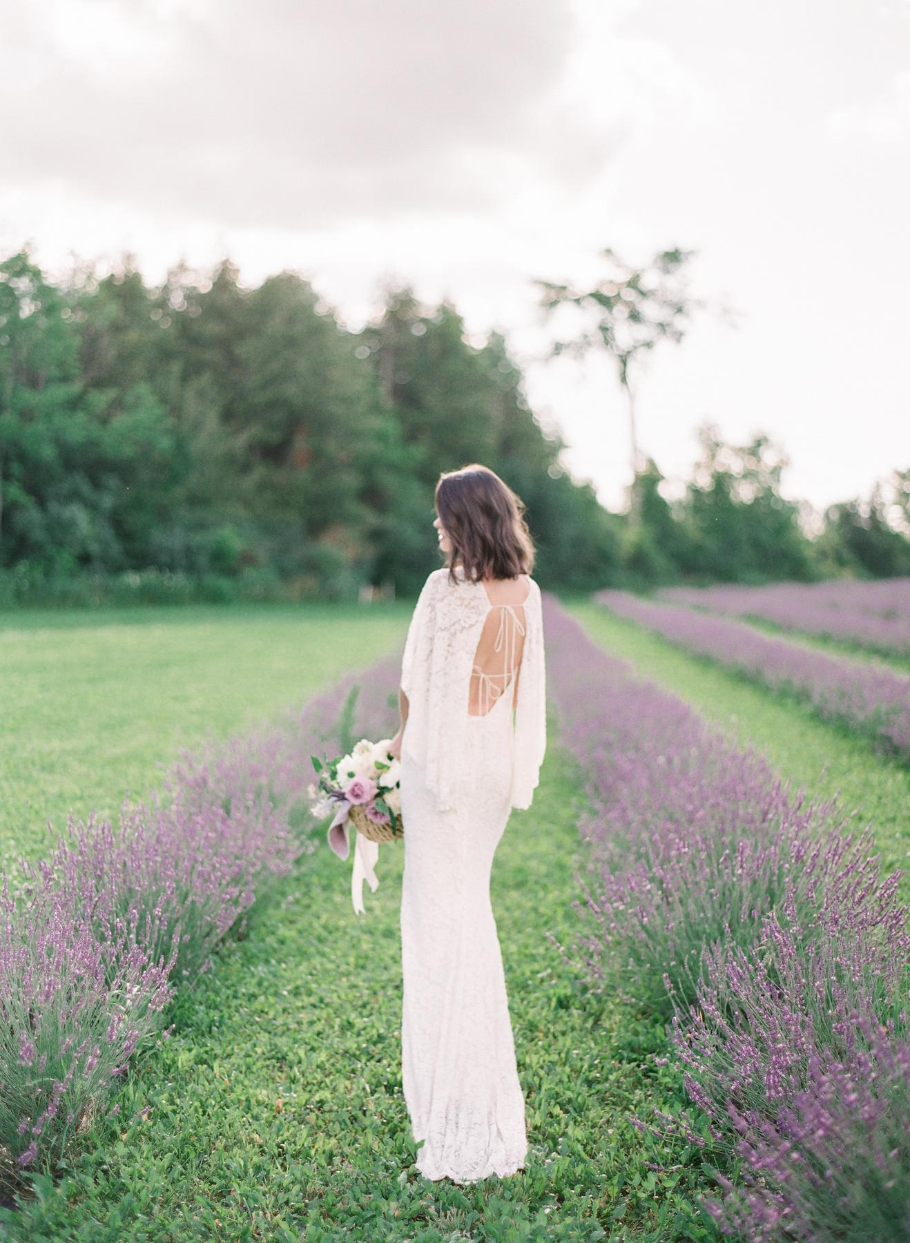artiese-lavender-wedding-inspiration-000061980003
