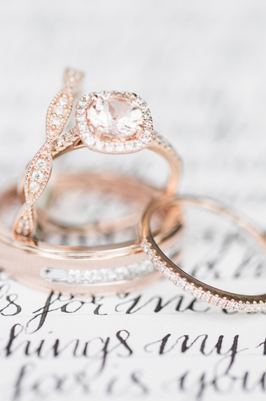 rose-gold-wedding-rings.png