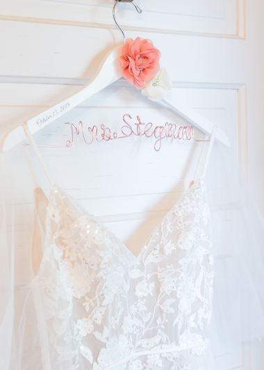 custom-bridal-hanger.png