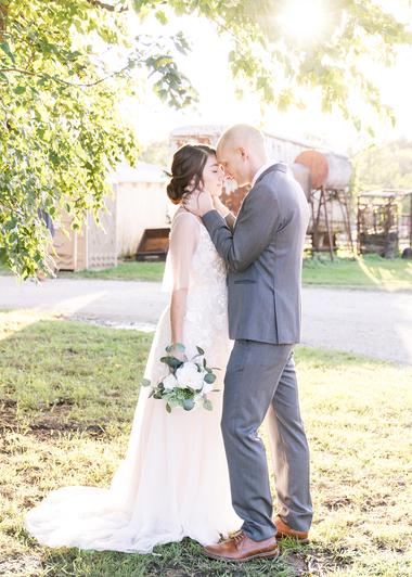 lawrence-wedding-photographer.png