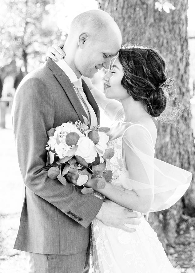 lawrence-kansas-wedding-photographer.png