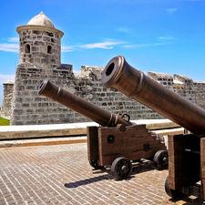 Крепости Гаваны El Morro и La Cabaña