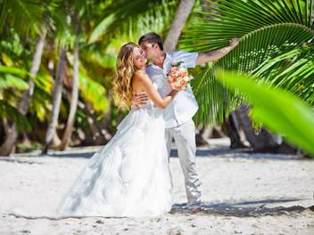 Выбор платья для свадьбы на пляже