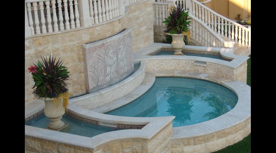 Facing Swans Pool & Spa 11