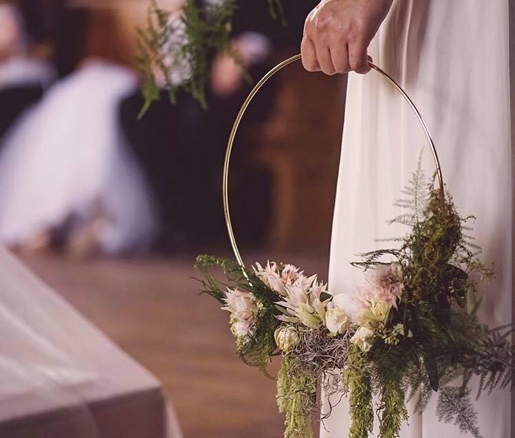 MayowoodStoneBarn_WeddingBouquet_RochesterMN.jpg