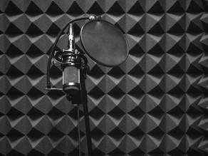Czy pianka poliuretanowa wygłusza? Właściwości akustyczne pianki PUR.