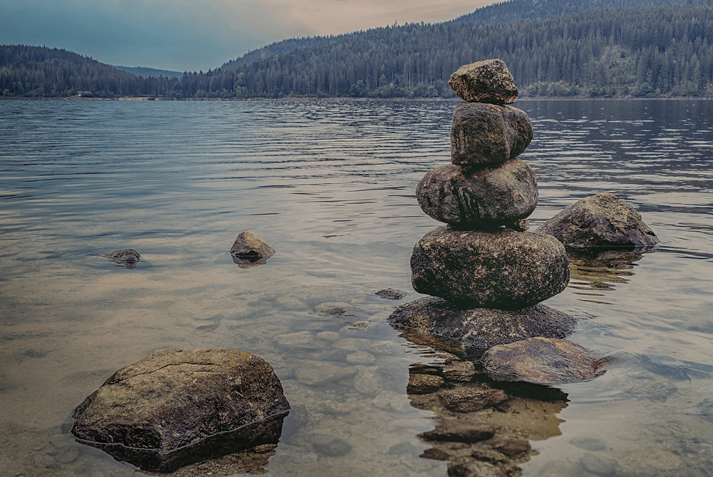 calm-lake-meditation-1278952
