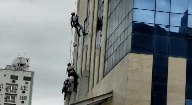 Higienização do prédio anexo, por dentro e fora do Hospital Sociedade Portuguesa de Beneficência
